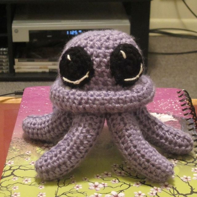 Click this picture to take you to the free octopus crochet pattern!