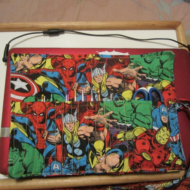 inside comic book hook case