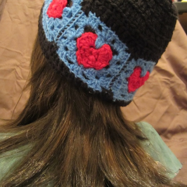 heart square hat back view