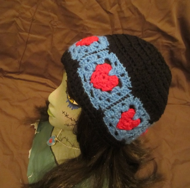 heart square hat left side facing