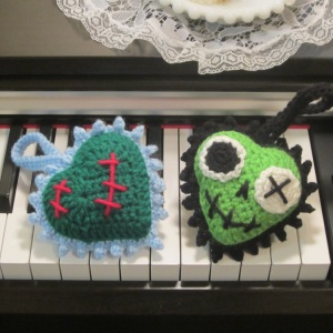Zombie Heart Luvz Free Crochet Pattern