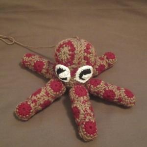 Pentapus granny octopus free crochet pattern