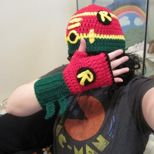 Robin Hat and Glove Set, Superhero Set, FREE crochet pattern